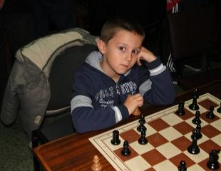 Константин Георгиев шампион шах